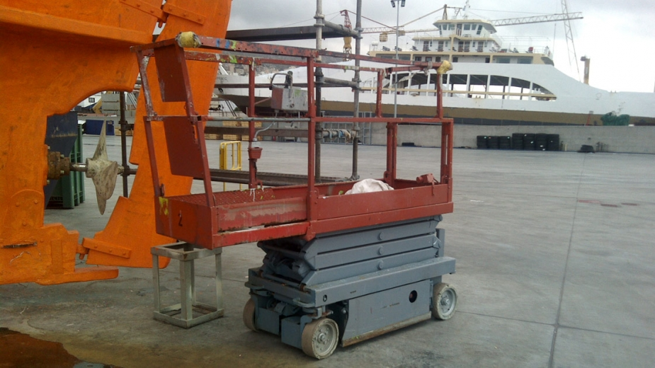 Elec Scissor Lifts