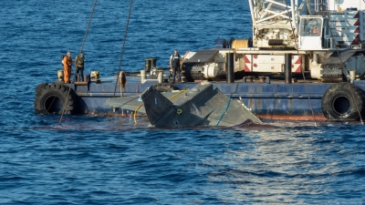 REFLOATING OF A F16 Block 52