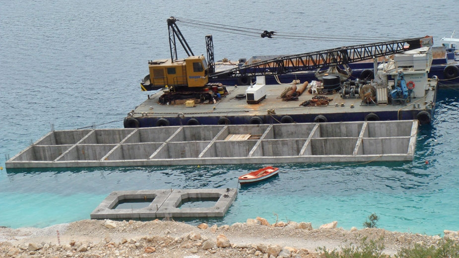 CONSTRUCTION OF AGGREGATES LOADING PIER IN THISVI - GREECE