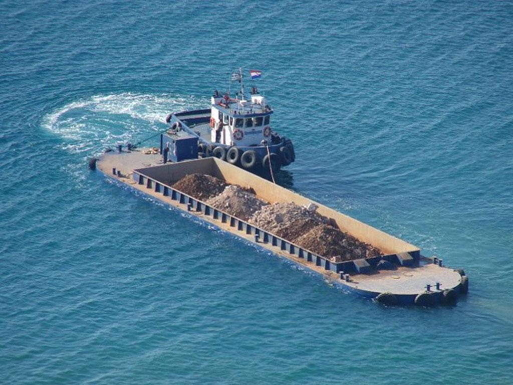 Split Hopper Barge Marianna