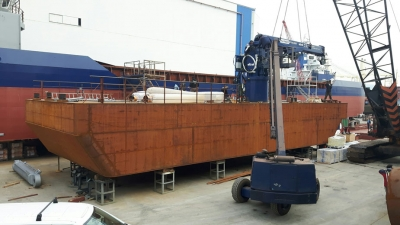 ANTIPOLLUTION BARGE B142