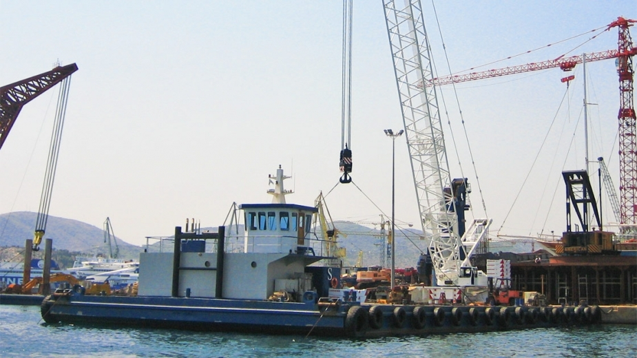"CONVERSION AND ELONGATION IN WAY DEPTH INCREASE OF FLOATING CRANE ""IGNATIOS III"""