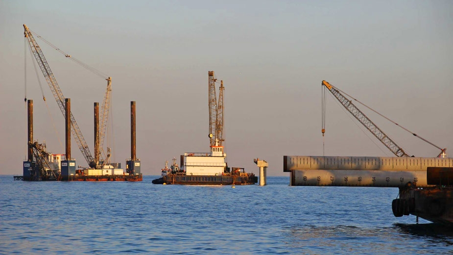 PILE DRIVING AT THE MARINE TERMINAL OF THE AIN SUKHNA PRODUCT HUB - EGYPT